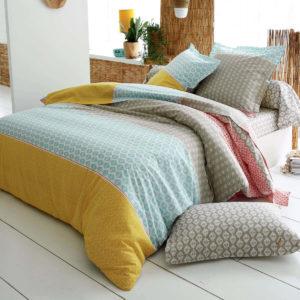 Housse de couette 260 x 240 cm RIO 100% coton de Tradilinge. Une parure de lit au teintes jaune safran et de bleu vert eau